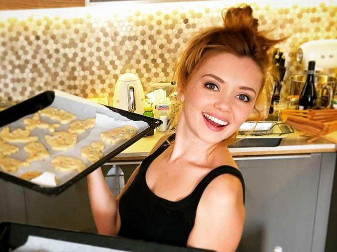 Звезда сериала «Кухня» устроила в Сети настоящий кулинарный бум