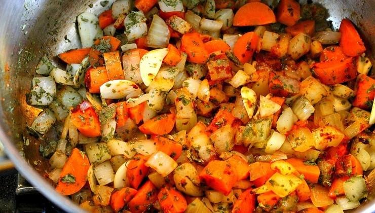 Чечевица, тушенная с овощами – Шаг 3