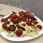 Любимый салатик Помидорок много