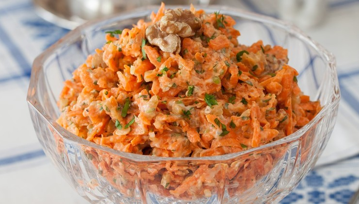 Фитнес-салат с кунжутом