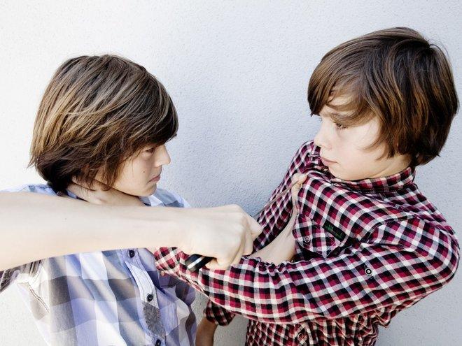 почему дети дерутся