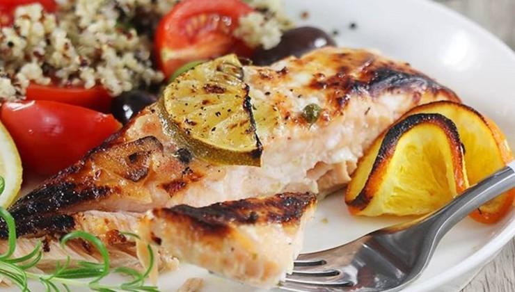 Запеченный лосось с лимоном