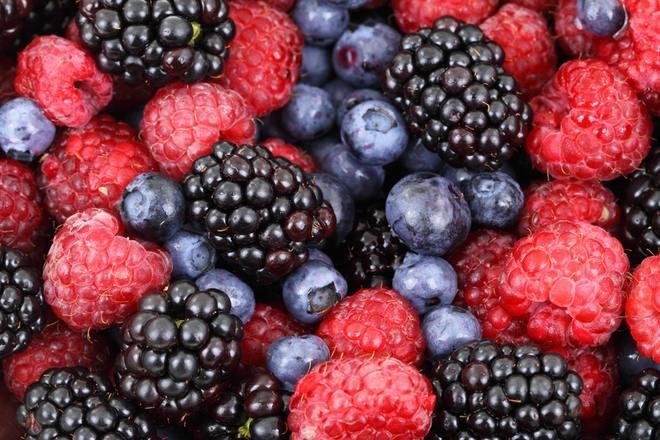 пятна ягод
