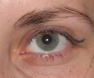 меняется цвет глаз