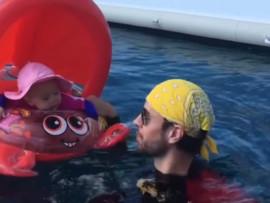 Видео: Энрике Иглесиас веселит дочку
