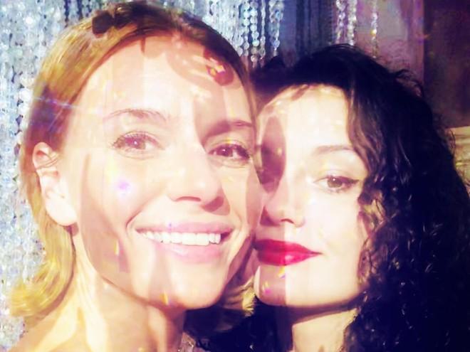 Две красавицы: Любовь Толкалина с дочкой Машей на праздничном вечере