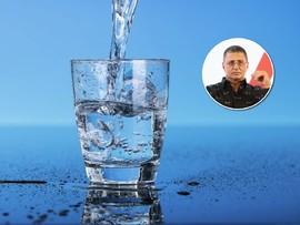 Худеть легко: известный врач рассказал, сколько чистой воды надо пить в день