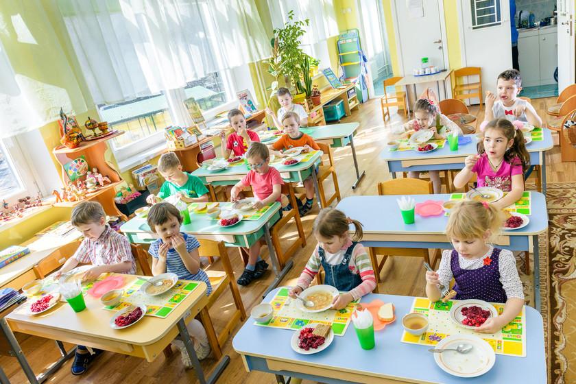 Крупы без документов, повара без санитарных книжек: надзорные органы инспектируют детские сады