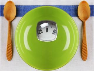 Как не набрать вес в отпуске: секреты диетологов
