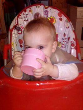 Когда ребёнок кушает сам