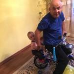 Дедушка и внук)