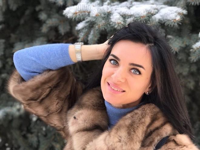Елена Исинбаева показала своего третьего ребенка