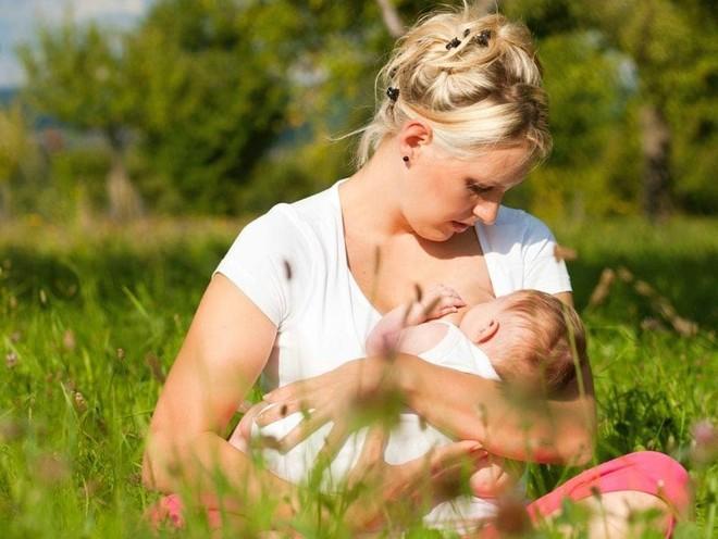 Мамин опыт: как комфортно для ребенка и себя завершить грудное кормление