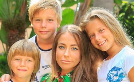 Танцующая семейка: Юлия Барановская поделилась веселым роликом с детьми