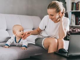 Как научить ребенка переворачиваться