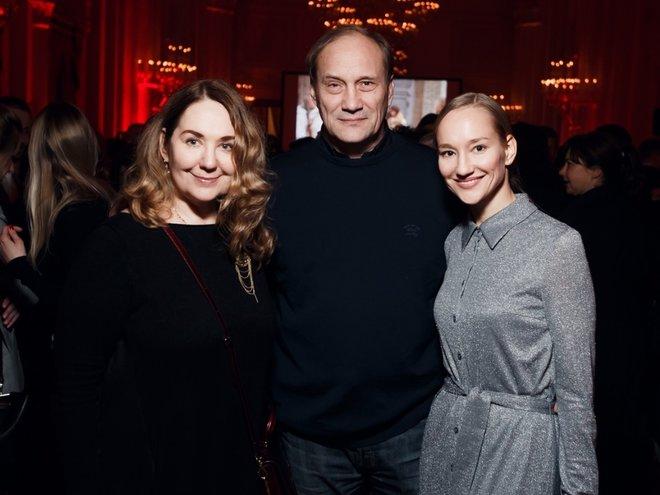 Евгений Сидихин с дочерью Полиной и супругой