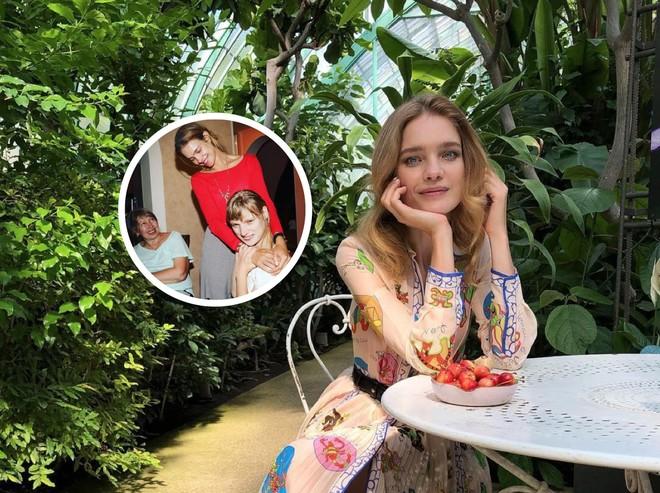 Наталья Водянова навестила сестру и маму в Нижнем Новгороде