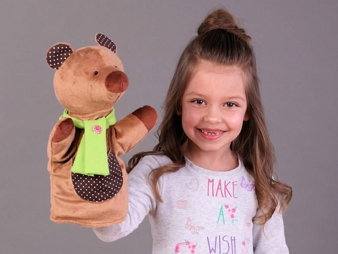 Лайфхак: как научить малыша делать уборку с помощью… игрушки