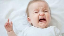 10 причин плача младенцев