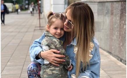 Честно: Анна Хилькевич рассказала об ошибках в воспитании маленькой дочки