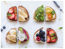 Витаминный заряд: летние тосты с ягодами, овощами и фруктами